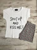shut up kiss me huispak
